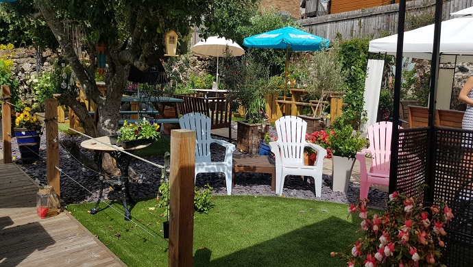 The Great British Beer Garden:  The Bell Inn
