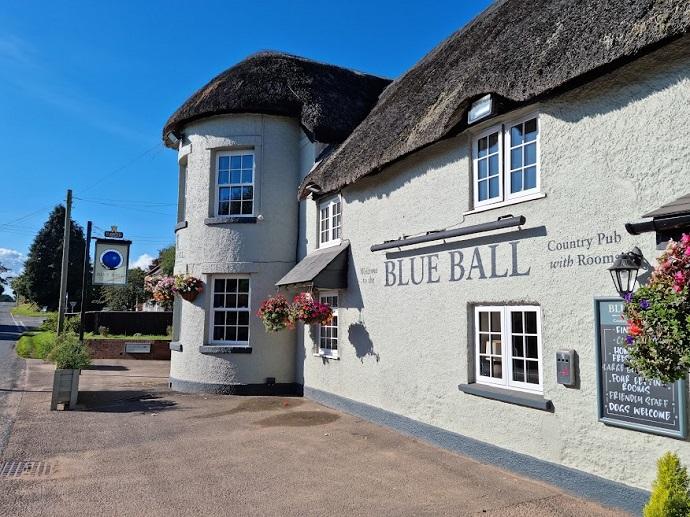 Blue Ball Inn outside